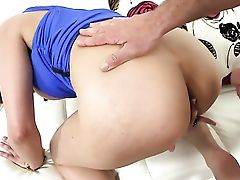 Dark-haired Amber Chase Makes Dudes Stiff Worm Vanish In Her Mouth In Sexual Rapture