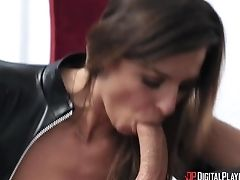 Robber Female In Spandex Clothing Avery Moon Is Fucked By Mansion Proprietor