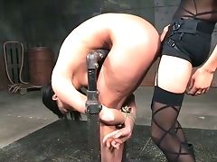 Pervy Mistress Penalizes Ass Fucking Fuckhole Of Promiscuous Tied Up Bitch London Sea