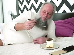 Old Bearded Man Is Fortunate Enough To Have Hookup With Sexy Dominica Fox