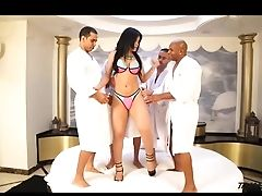 Shemale Fucked By Four Big Cock At Group Sex