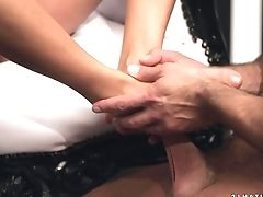 Ultra Hot Bombshell Shalina Divine Gets Her Facehole Jammed Total Of Schlong In Cock Blowing Activity With Horny Fuck Friend
