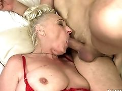 Matures Takes Oral Hookup To The Entire Fresh Level