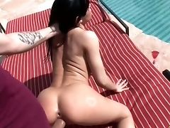 Steamy Analfuck Is Much Finer Than Boring Sunbathing For Rebeca Linares