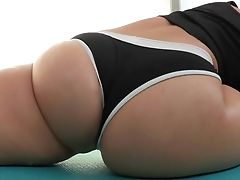 Big Butt Woman Gracie Glam Is Very Lithe