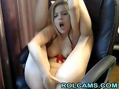 Horny Cute Teen Deep Fingering